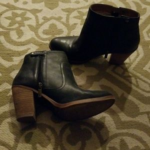 Lucky Brand short Booties